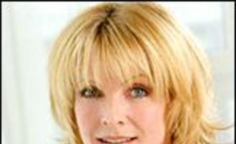 Ellen Dolan to Host Theater Benefit