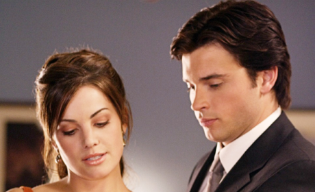 "Smallville Sex Spoiler: Lois and Clark to [""Make Love""], Producer Says"