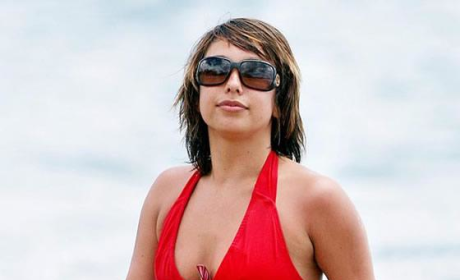 Cheryl Burke Has Fun in Sun