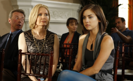 "90210 Episode Stills, Clip from ""Environmental Hazards"""