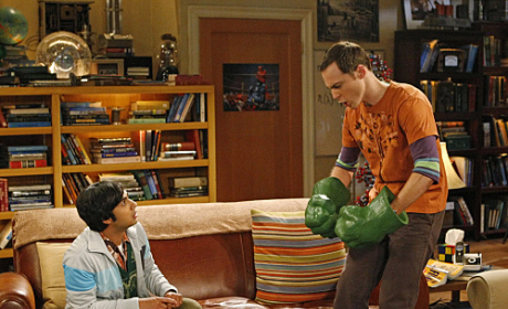 Sheldon and His Hulk Hands
