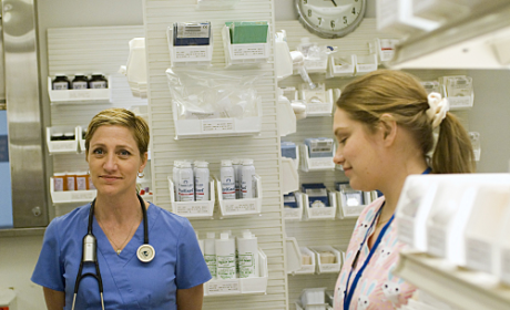 "Nurse Jackie to Go Into ""New Gear of Gay"" on Season Two"