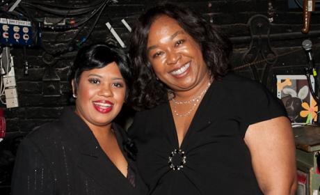 "Shonda Rhimes Visits Chandra Wilson, ""Chicago"""