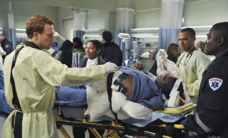 "Grey's Anatomy Review: ""Valentine's Day Massacre"""