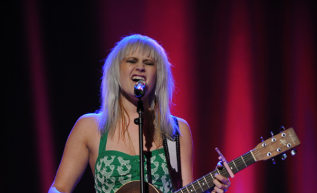 American Idol Review: Top 12 Girls Perform