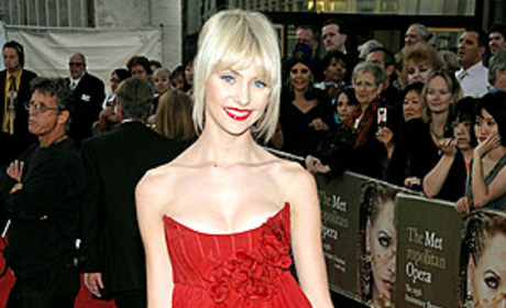 Taylor Momsen: Red on the Red Carpet