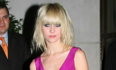Taylor Momsen: Pretty in Hot Pink