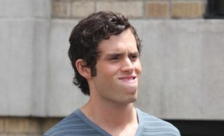 Penn Badgley Shares a Little Gossip Girl Gossip