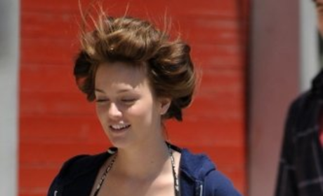 Leighton Meester Returns to the Gossip Girl Set