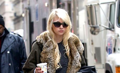 Gossip Girl Spoilers: Jenny in New Love Triangle?
