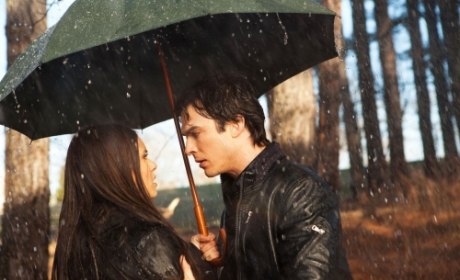 The Vampire Diaries Review: A Drinking Problem for Stefan