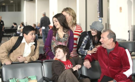 """Modern Family Review: """"Airport"""""""