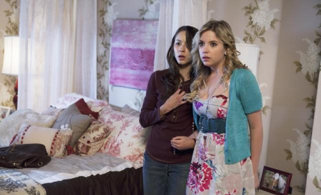 Pretty Little Liars Review: Can You Hear A Now?!?