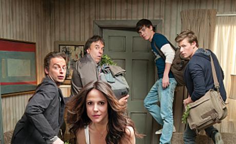 "Weeds Season Premiere Review: ""Thwack"""