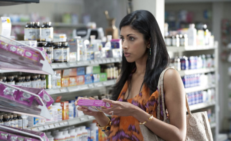 Royal Pains Season 3 Scoop: What Does Divya Do?