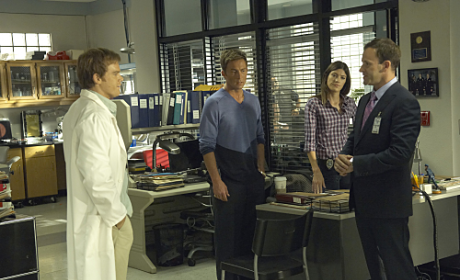 "Dexter Review: ""Circle Us"""