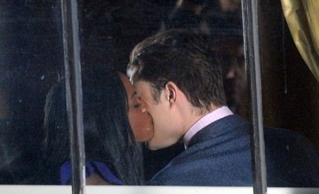 Gossip Girl Spoiler Pics: Chuck's New Girlfriend?