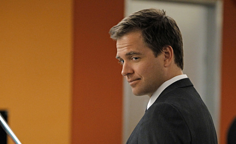 NCIS Burning Question: Who Did Tony See in the Photo?