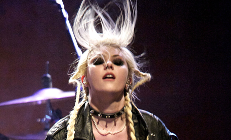 Taylor Momsen Performs Pretty Reckless Songs, Lap Dances in Spain