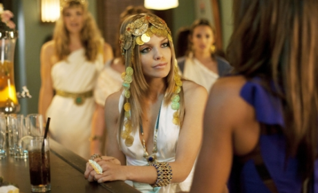 90210 Review: Going Greek