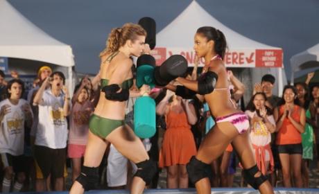 Naomi vs. Holly
