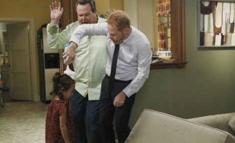 Modern Family Review: Blind Sided!