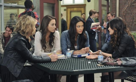 Pretty Little Liars Review: Is That It?