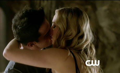 The Vampire Diaries Spoiler Pics: A Big Step Forwood!