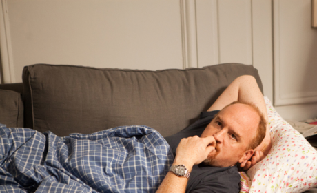 Louie Season 3 Premiere Review: Man Down!