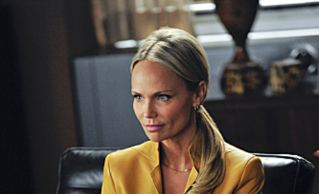 Kristin Chenoweth Drops Out of The Good Wife Due to On-Set Injury