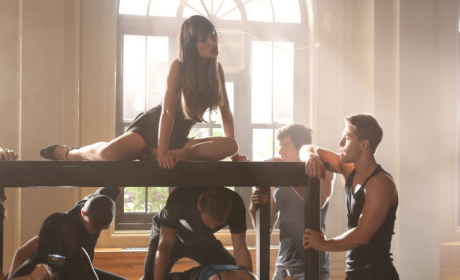 Glee Spoiler Pics: Covering Britney, Coveting Brody
