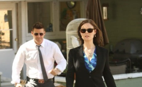 Bones Sneak Peeks: Brennan in 2016!