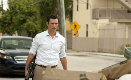 Burn Notice Review: A Wild Card