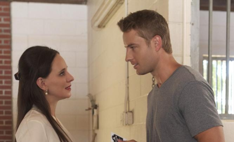 Revenge Season Premiere Pics: Son-y Days Ahead