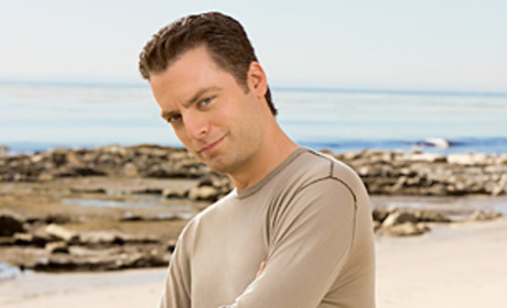 Justin Kirk to Guest Star on Modern Family
