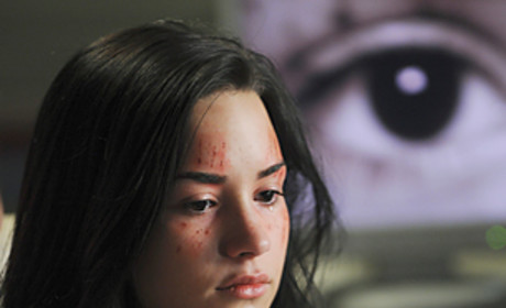 First Look: Demi Lovato on Grey's Anatomy!