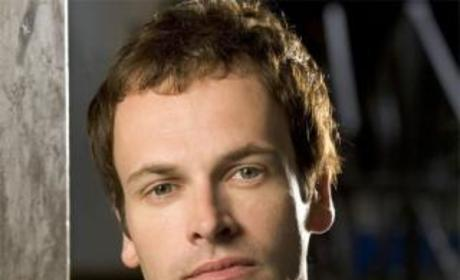 Jonny Lee Miller to Recur on Dexter