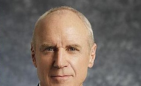 "Alan Dale Tapped for ""Pivotal"" Once Upon a Time Role"