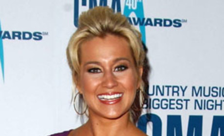 Kellie Pickler Admits She Suffered Child Abuse