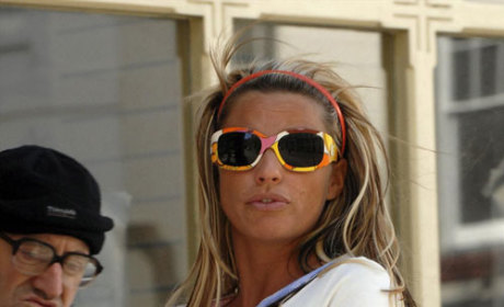 Very Pregnant, Not Nude, Katie Price Tried to Avoid Photographers