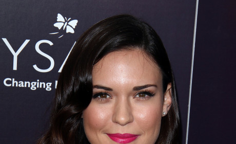 Odette Annable: Cast on House!