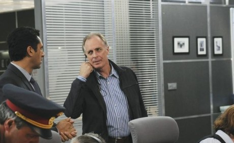 "Keith Carradine Previews ""Dark Places"" Ahead on Missing"