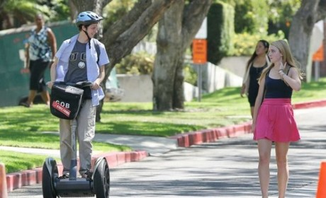 Arrested Development Return Scoop: George Michael on a Segway!