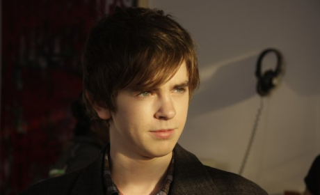 Freddie Highmore Cast as Norman in Bates Motel