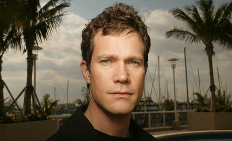 Dylan Walsh to Play Rival on Revenge