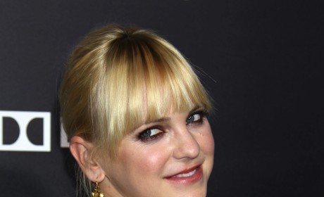"""Anna Faris to Play """"Mom"""" for Chuck Lorre"""
