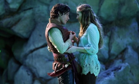 Once Upon a Time in Wonderland Spoilers: Flashbacks! Rivalries! Romance!