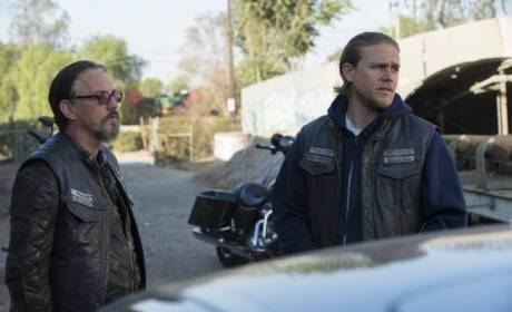 "Sons of Anarchy Review: ""Los Fantasmas"""