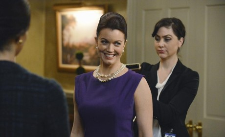 Scandal Photo Preview: A Few Moments with Mellie