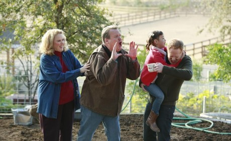Modern Family Review: Sisters Before Misters